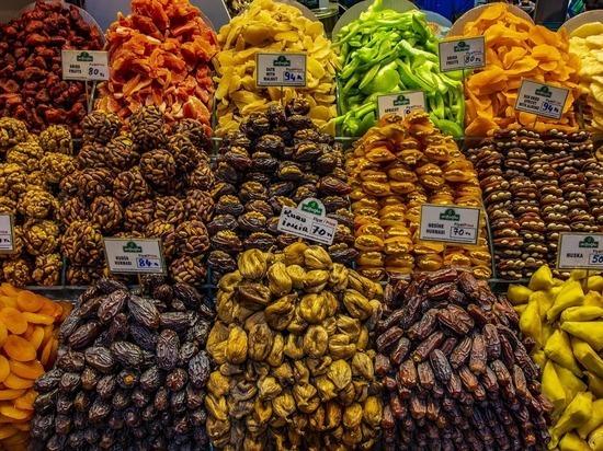 Ученый назвал неожиданные продукты, провоцирующие рак и болезни сердца