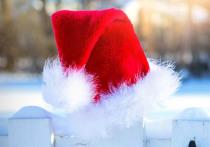 Воришка в шапке Деда Мороза украл в храме Рождества Христова верхнюю одежду прихожан, пока те крестили ребенка