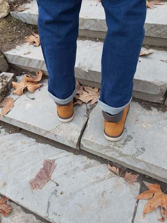 В Симферополе на набережной Салгира сложили лестницы из битых плит
