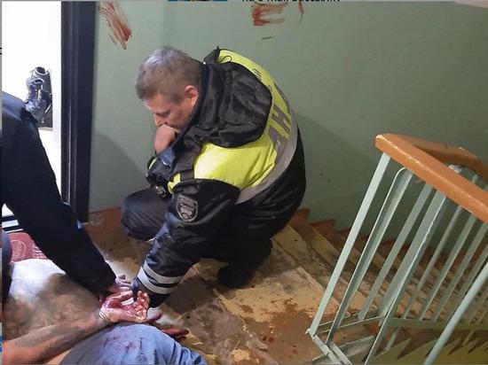 В Ижевске заержали мужчину, угрожавшего ножом домочатцам