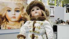 Игрушки Романовых, авторские куклы: в Москве прошла уникальная выставка