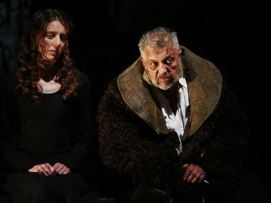 Афишу февраля с «душеполезными» спектаклями представил псковский театр