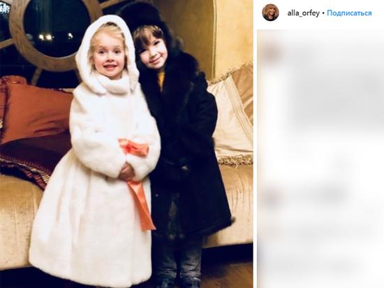 Дочь Пугачевой и Галкина спела хит матери