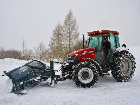 13 января в Ижевске на расчистке снега работало 110 единиц техники