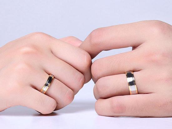 Зачем люди носят серебряные обручальные кольца вместо золотых