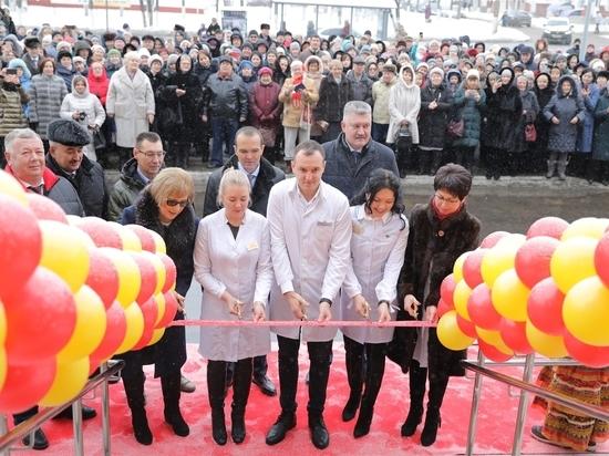 Новая поликлиника на 40 тысяч пациентов открылась в центре Чебоксар