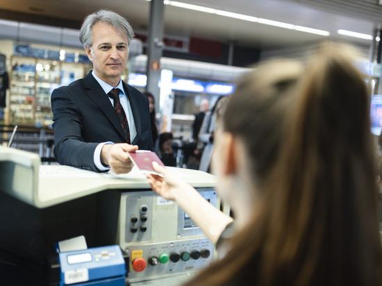Иностранные гости и участники Петербургского международного экономического форума из 53 стран смогут оформить электронные визы для въезда в Россию