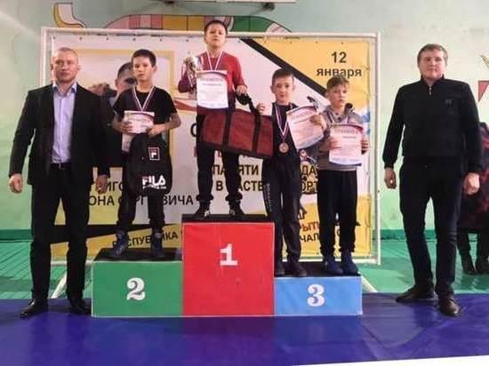 Ивановские борцы вернулись из Чувашии с медалями