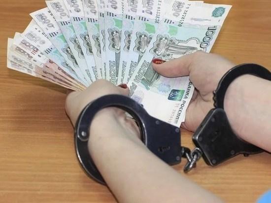 В Югре сотрудница магазина похитила деньги из сейфа