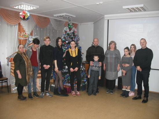 """Воспитанникам """"Надежды"""" организовали рождественский праздник"""