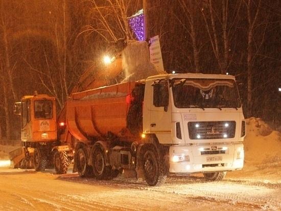 Губернатор и барнаульцы раскритиковали уборку снега в Барнауле