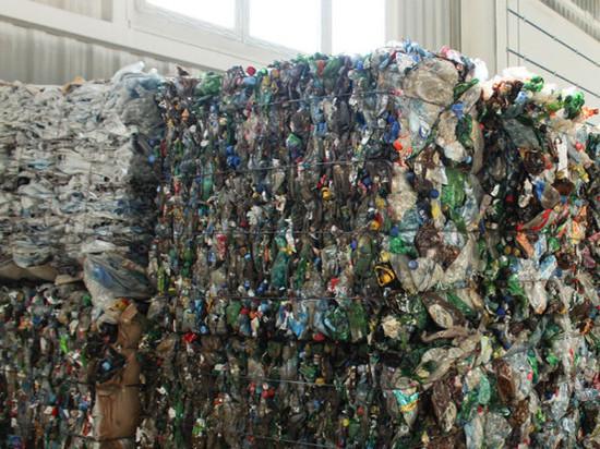 В Заполярье начал работать оператор из Екатеринбурга по вывозу мусора