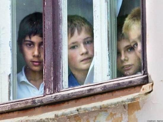 В Хакасии банда мошенников обворовала детей-сирот с их согласия