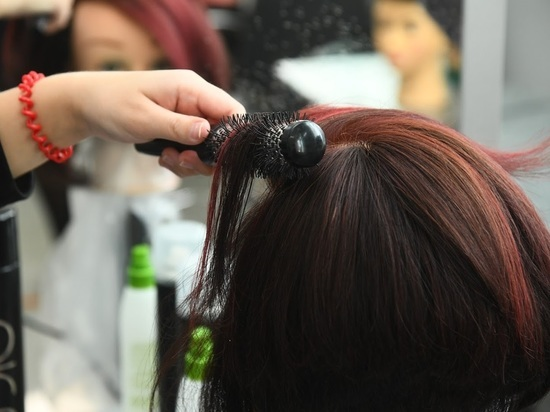 Специалисты рассказали о причинах появления спутанных волос