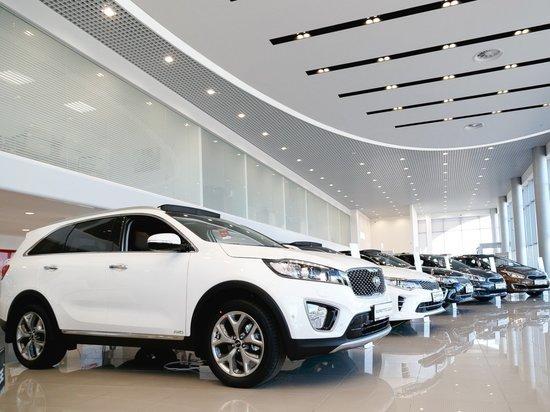 Челябинским автосалонам разрешили регистрацию авто