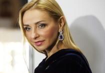 Навка опубликовала фото без лифчика