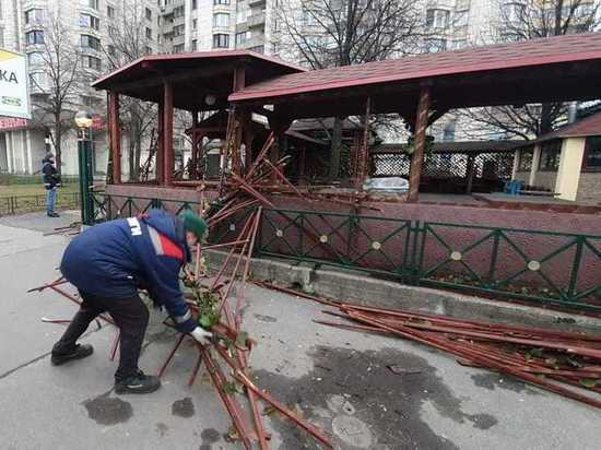 У «Приморской» снесли двадцатилетний самострой