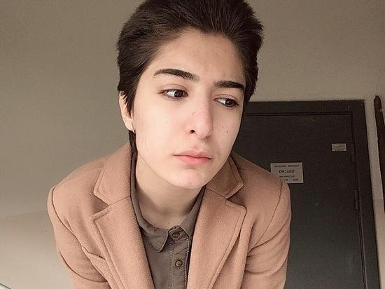 «Избивали, резали и связывали»: мать насильно увезла красноярку в Баку и удерживает ее