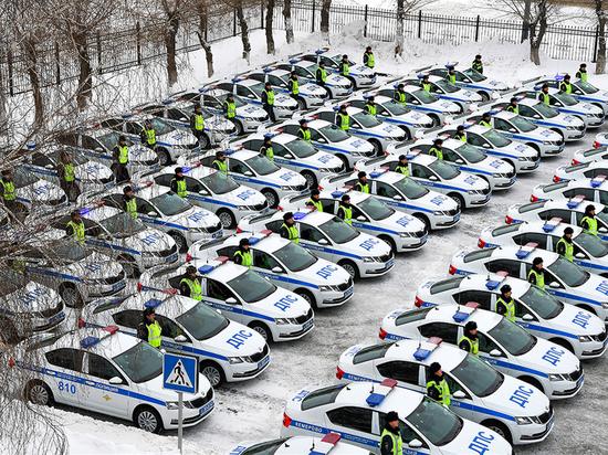 Кузбасские полицейские получили 97 новых автомобилей