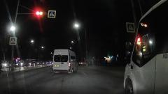 В Астрахани продолжается маршруточный беспредел: очередное нарушение