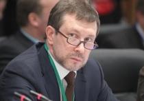 Российский политолог и директор Центра политической конъюнктуры Алексей Чеснаков, известный знакомством с кремлевскими кругами, заявил в своем Telegram-канале, что отставка правительства России президентом является «очень сильным шагом» Путина и по факту свидетельствует о «перезагрузке системы»