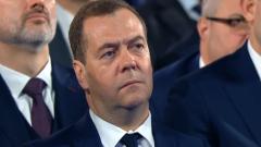 Мимика Медведева при отставке правительства: дрожали губы, дергались руки
