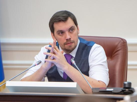 Накормить воров: эксперты объяснили повышение зарплат украинских министров