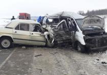 В минивэне, попавшем в ДТП с погибшими под Саратовом, ехали граждане Узбекистана