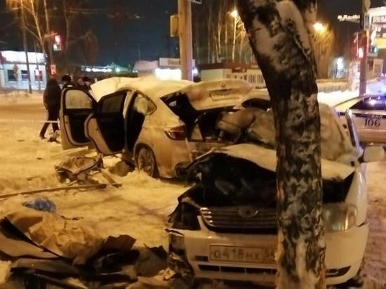 В ночном ДТП в Томске, при столкновении «BMW Х6» и «Toyota Corolla» погибла девушка