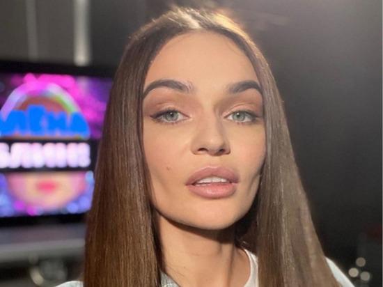 """Водонаева рассказала о """"сексе по расписанию"""" с 23-летним хоккеистом"""