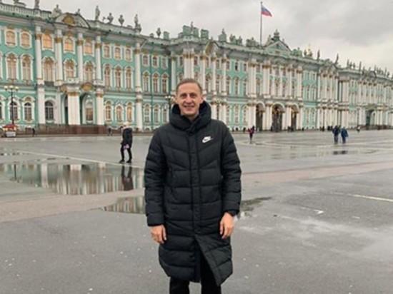 Украинский клуб уволил футболиста за посещение России