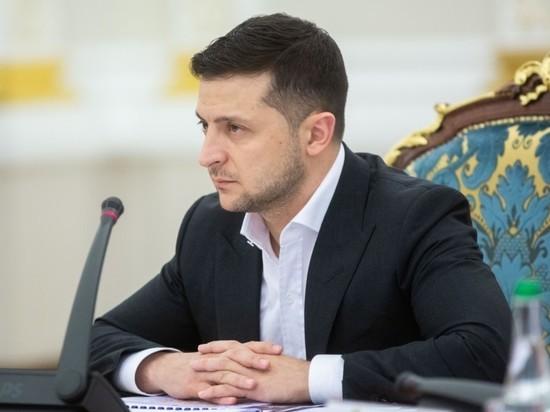 Зеленский представил стратегию нацбезопасности Украины: мир с Россией