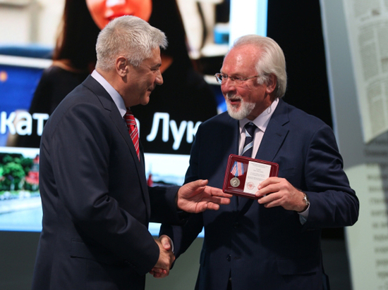 Лучшие московские журналисты получили награды