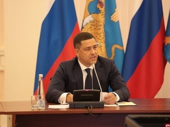 Михаил Ведерников считает возможным использование опыта Петербурга по упрощенному визовому режиму