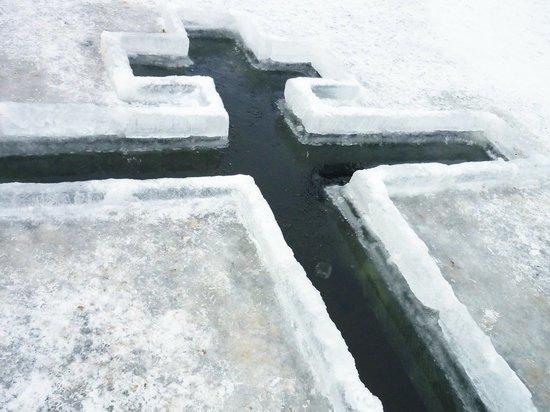 Кировский Роспотребнадзор проверил качество воды в купелях