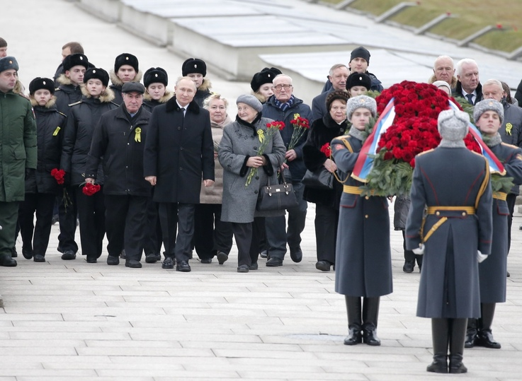 Путин отказал ветерану, предложившему президенту править вечно