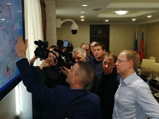 Губернатор края Виктор Томенко вышел во дворы и проверил уборку снега в Барнауле