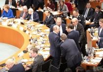 Путин потерялся на фотографировании в Берлине