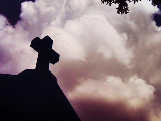 В селе Кайракла Кувандыкского района чиновников обязали узаконить землю под кладбищем