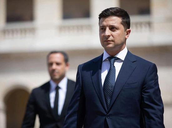 Зеленский заявил, что хочет избежать вовлечения Украины в политику США