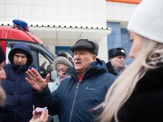 Жители Барнаула конфликтуют с ТОЦ «Гулливер» за проезд к дому