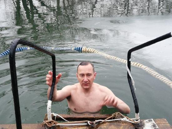 Мэр Обнинска окунулся в Протву