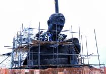 В Питере начали отливать входную группу Ржевского мемориала с именами погибших красноармейцев