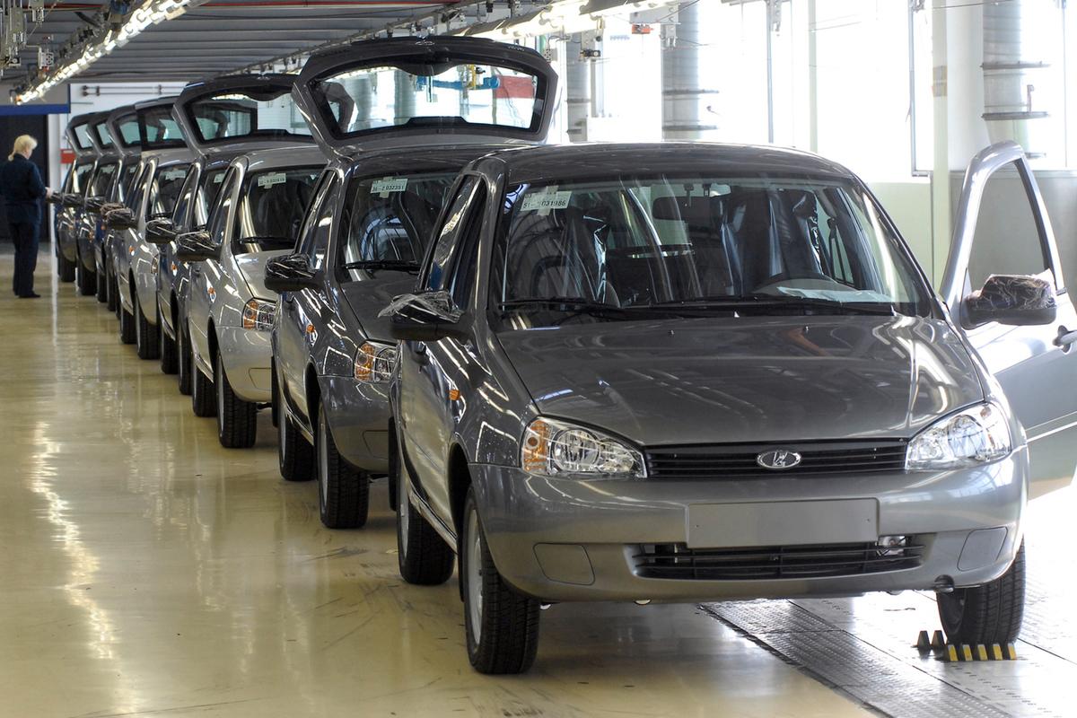 Все машины автоваза от первой до последней тольятти фото только