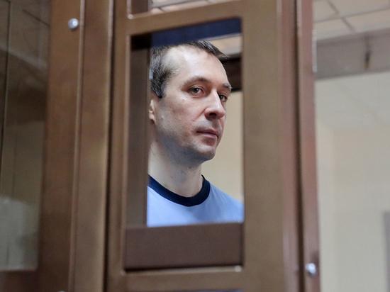 «Полковник-миллиардер» Захарченко прокомментировал драку в колонии и секретную записку