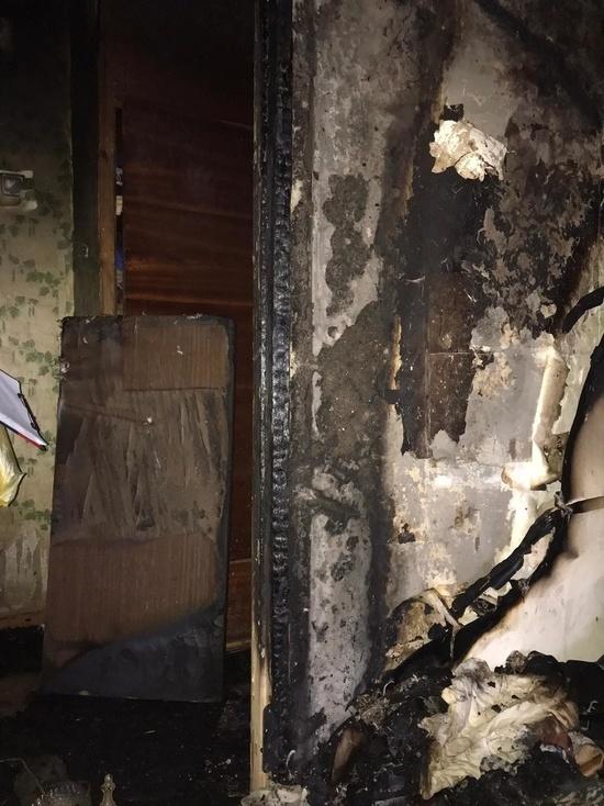 В Обнинске спасатели вынесли мужчину из огненной ловушки