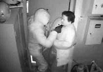 Кассир АЗС с подельником разыграли ограбление в Иркутске