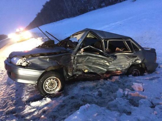 45-летняя автоледи из Башкирии погибла при столкновении с иномаркой
