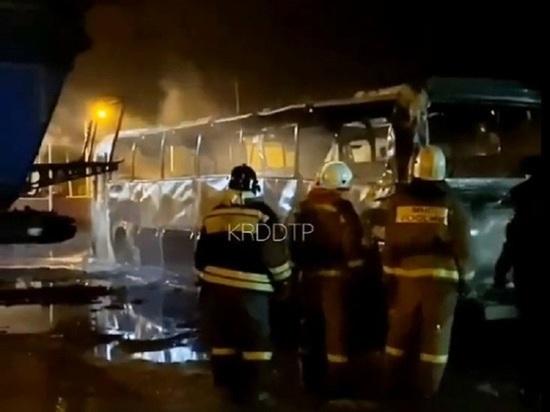 На Кубани возбудили уголовные дела по факту поджогов автобусов местной фирмы
