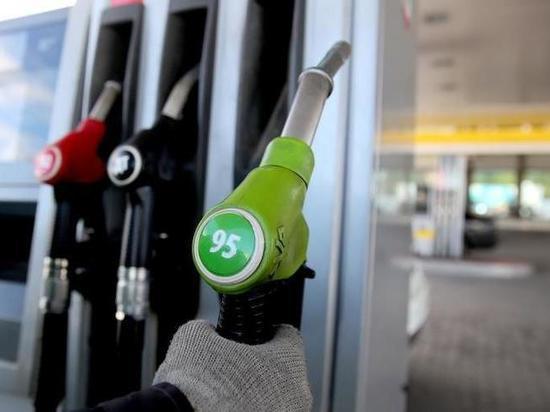 Рассказываем, как подорожал за год бензин в Красноярске